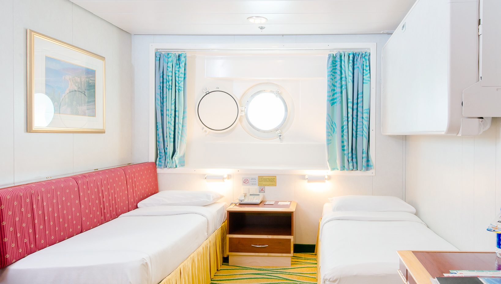 Oceanview with porthole